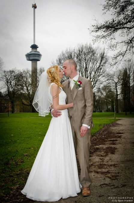 De trouwfoto van Angelique en Lieuwe (9 maart 2012)