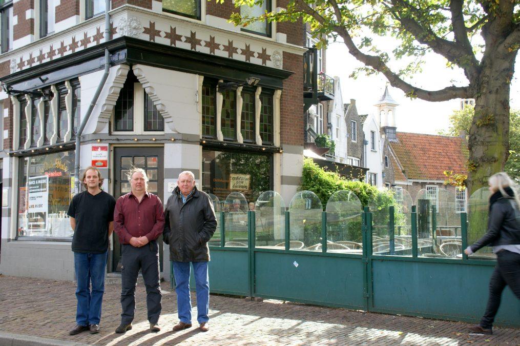 Café de 'Oude Sluis' hoopt alsnog op komst Máxima en Alexander