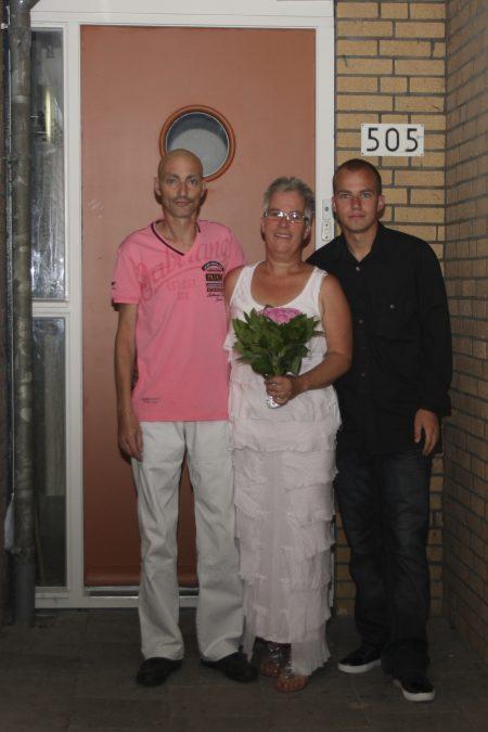 De trouwfoto van Jolanda en Kor van Nederpelt – van Lent